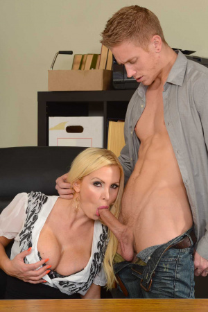 nikki benz big tits blondine pornostar