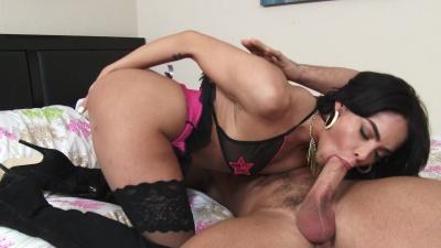 Ebony wet orgasm 831 10