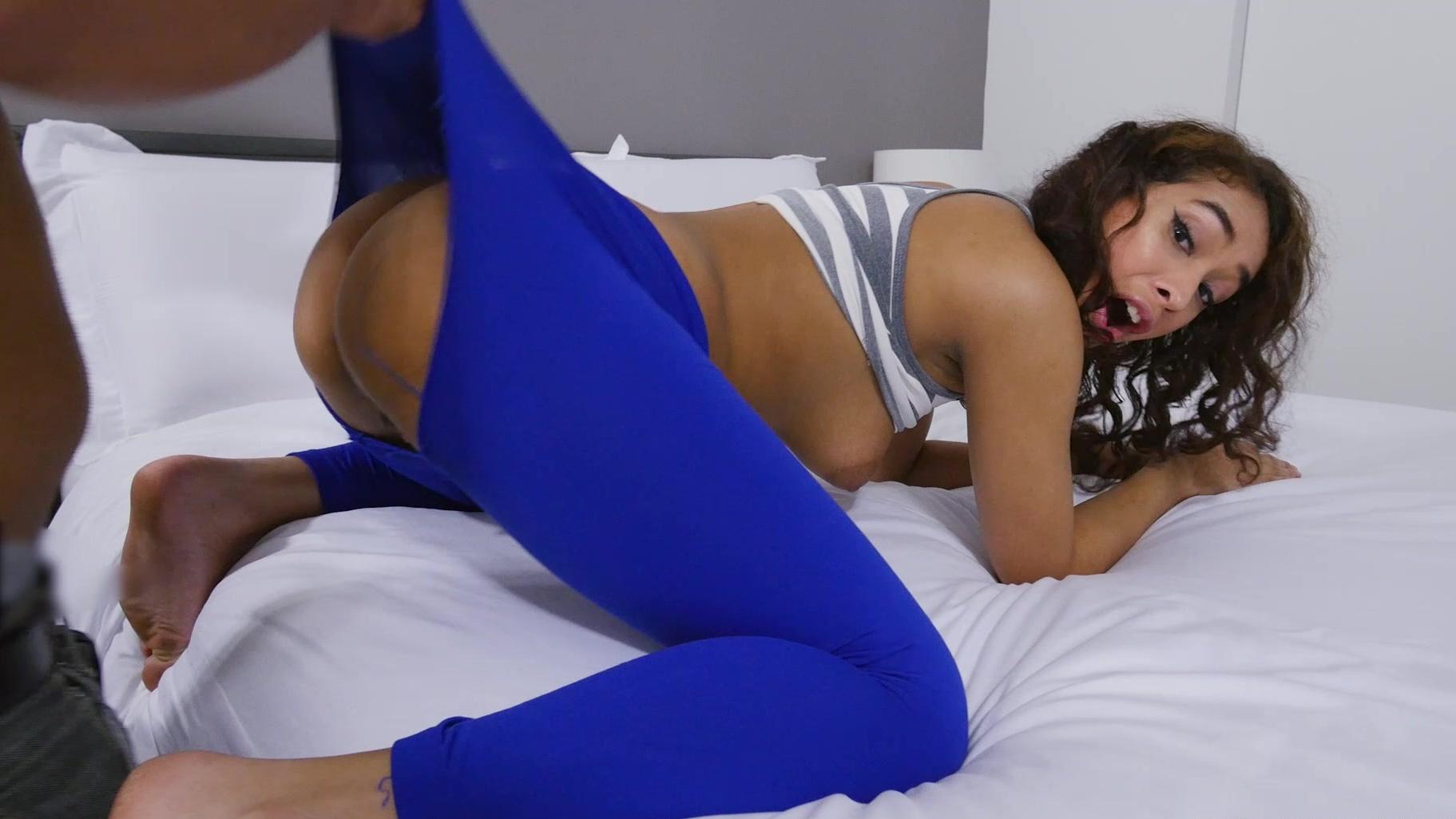 Blue yoga pants porn