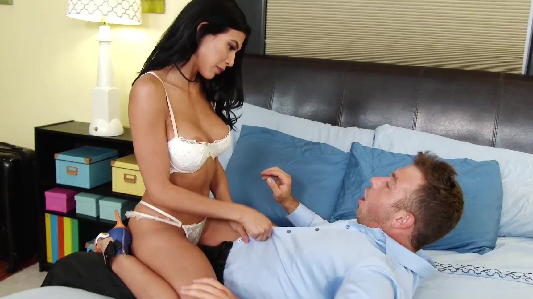 Carely lauren on pussy spot