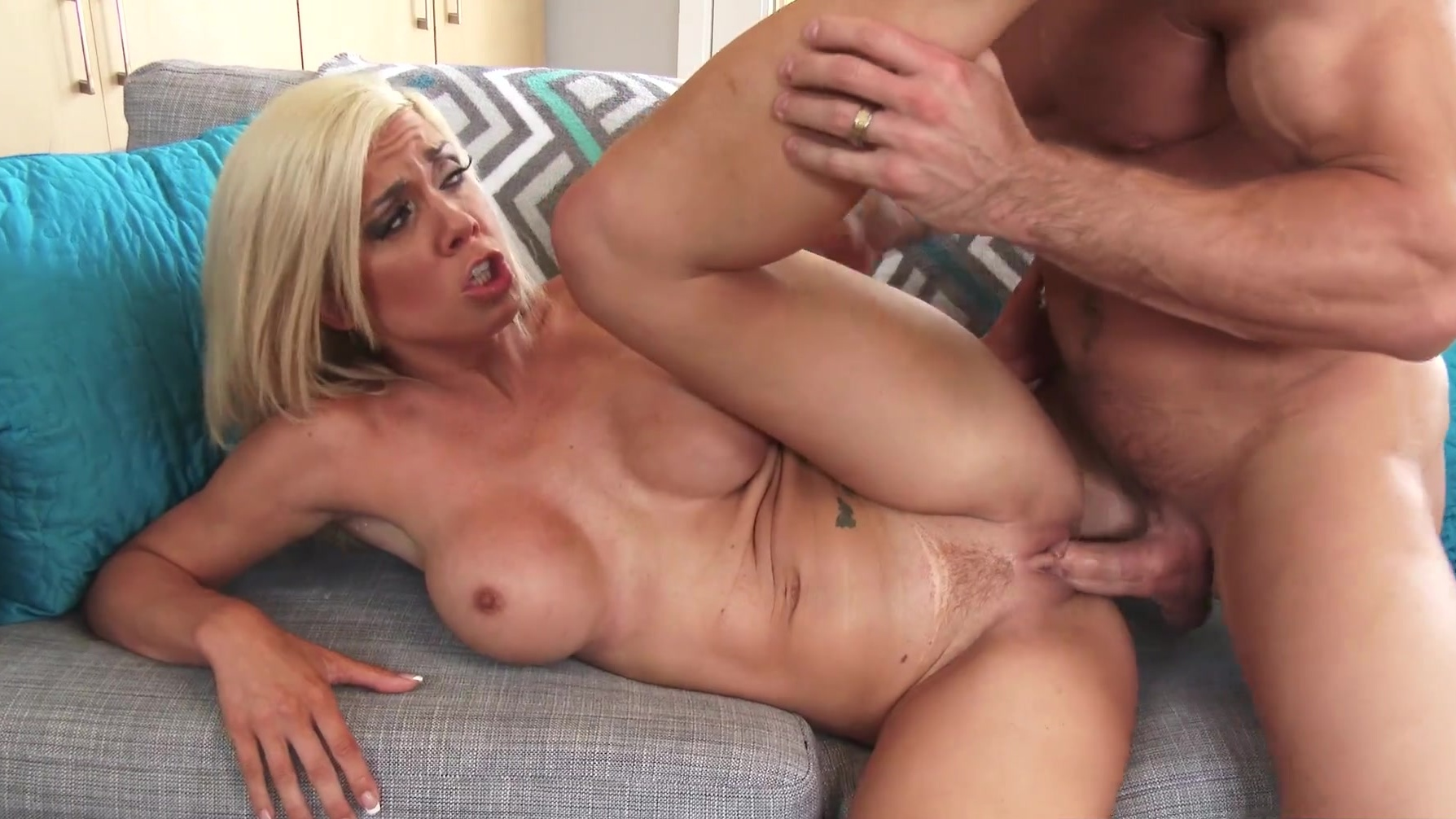 Upload video pic porn pussy