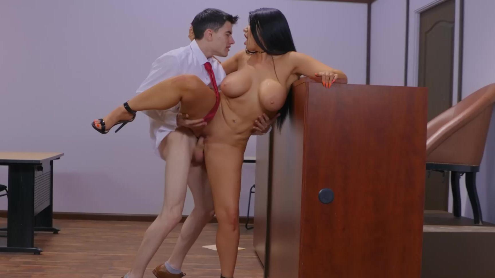 Ainara Y Jordi Porno judge jordi takes unexpected actionfucking romi s ass