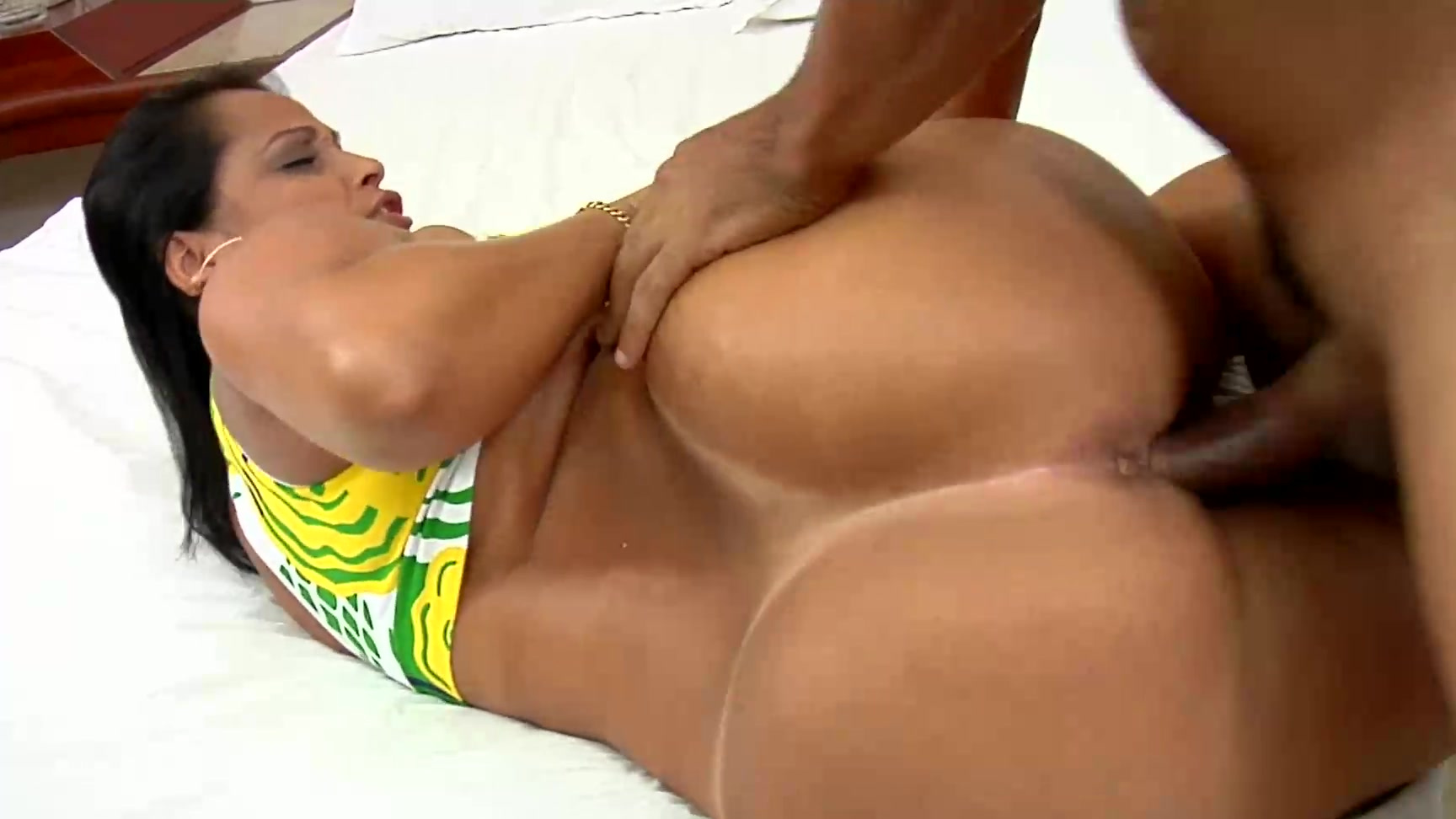 Anal Brazilian brazilian babe darlene enjoys some deep anal sex (tony