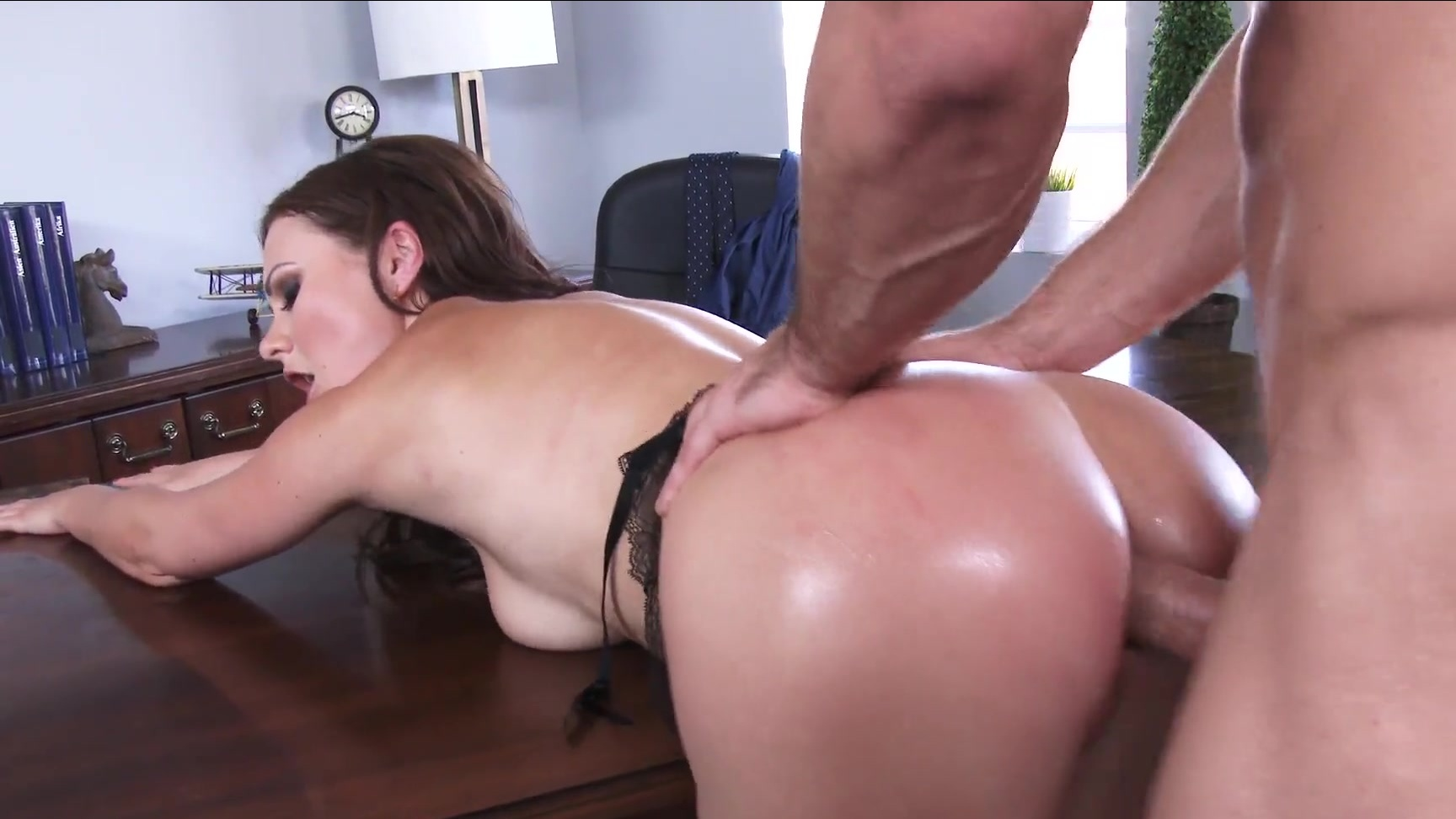 Ass fucked and cries for cash