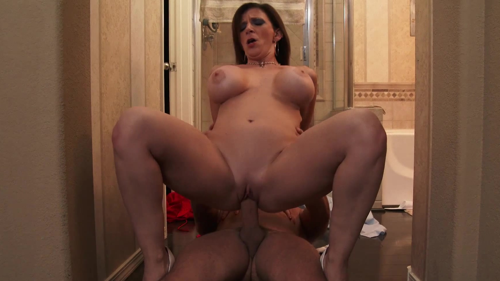 Sexy Big Tit Milf Seduces