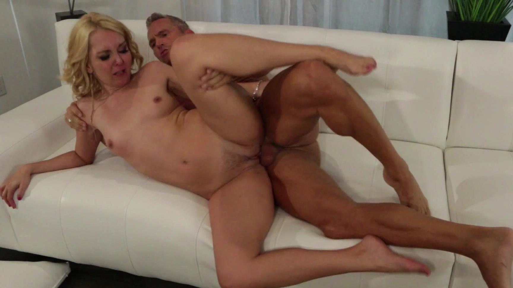 Pussy Licking Lesbian Pov