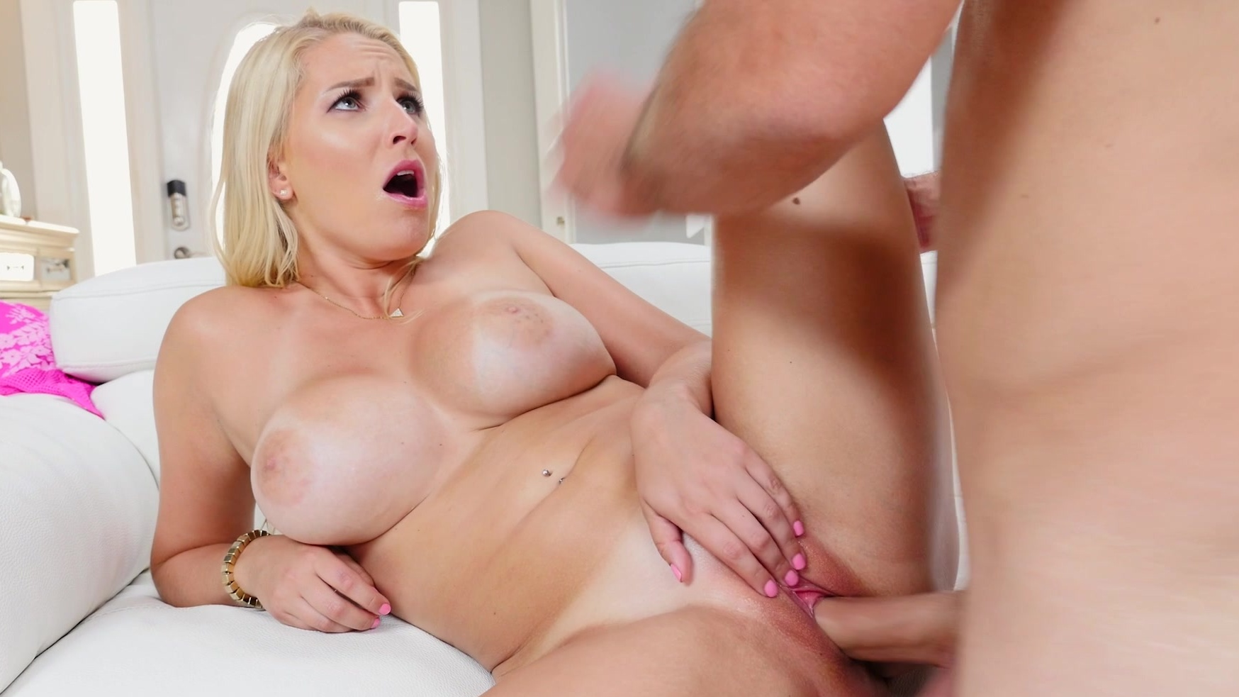 All views blonde gives some knob noshing 8