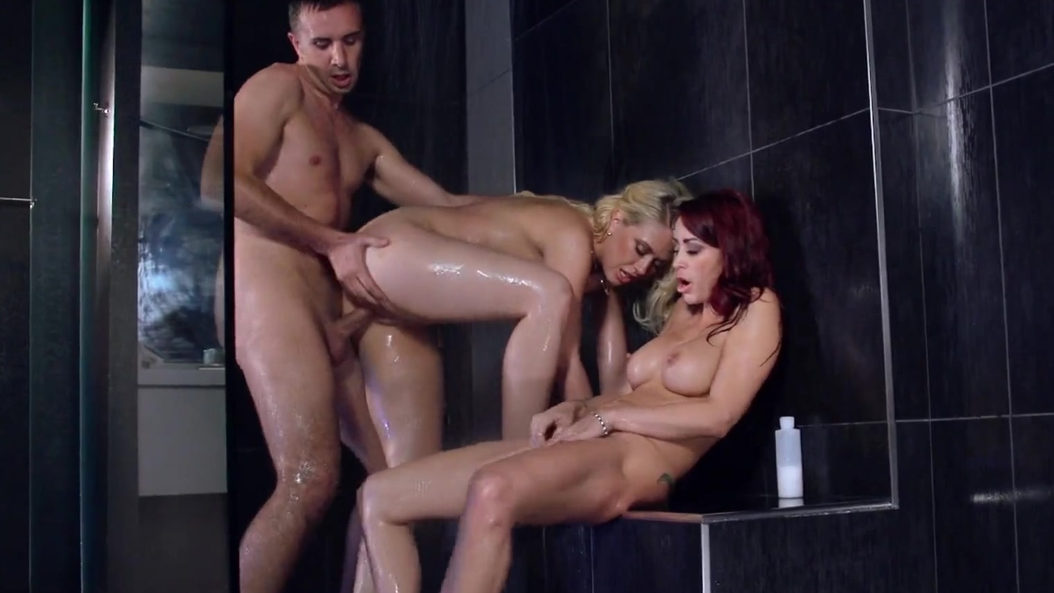 Sharon Lee Liza Del Sierra