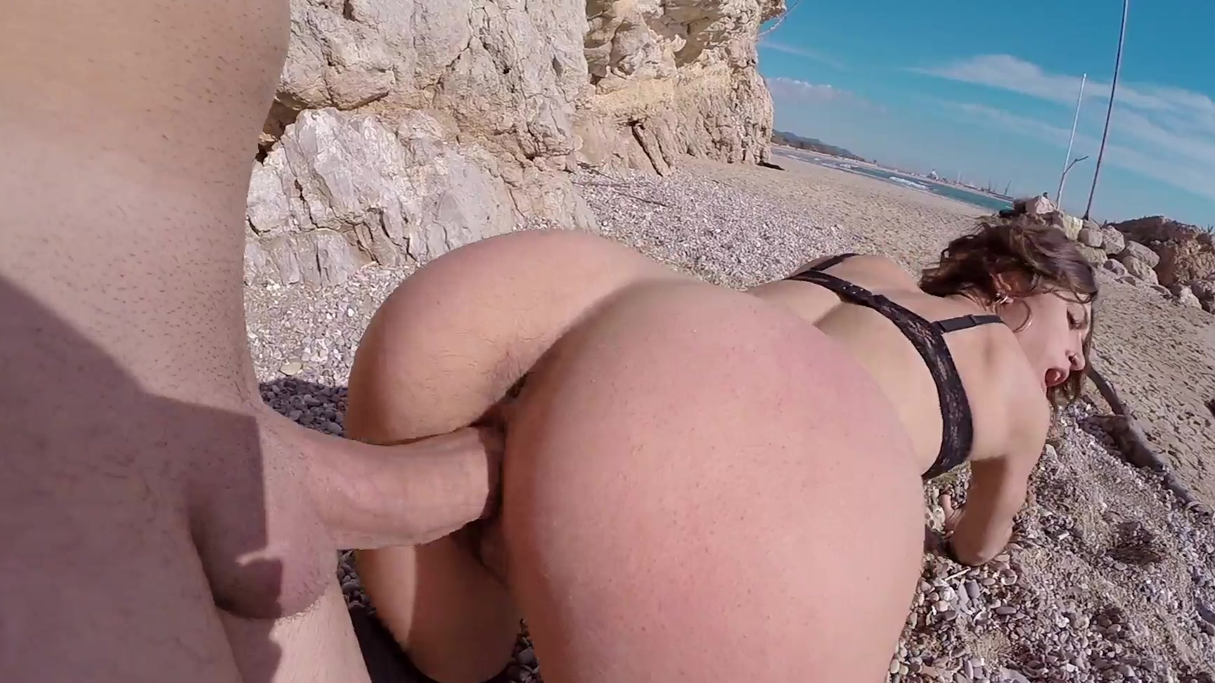 latina julia roca gets her fat pussy & juicy pussy fucked on a