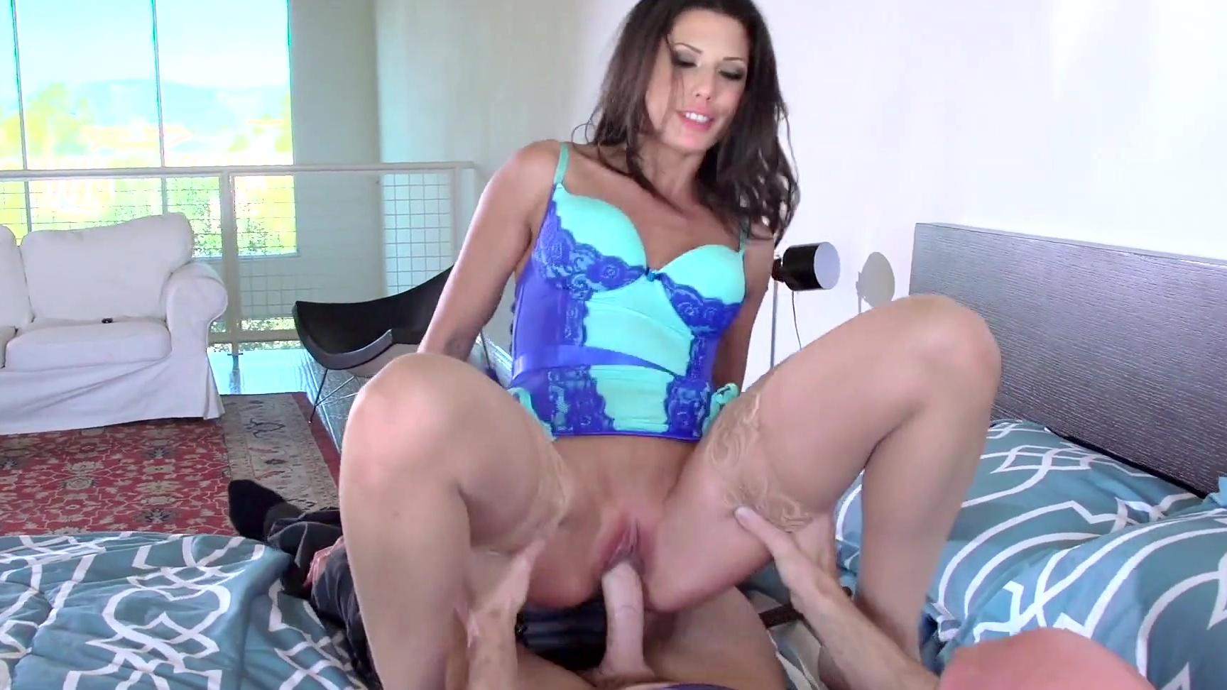 latina milf alexa tomas gets a married throbbing cock to suck & fuck