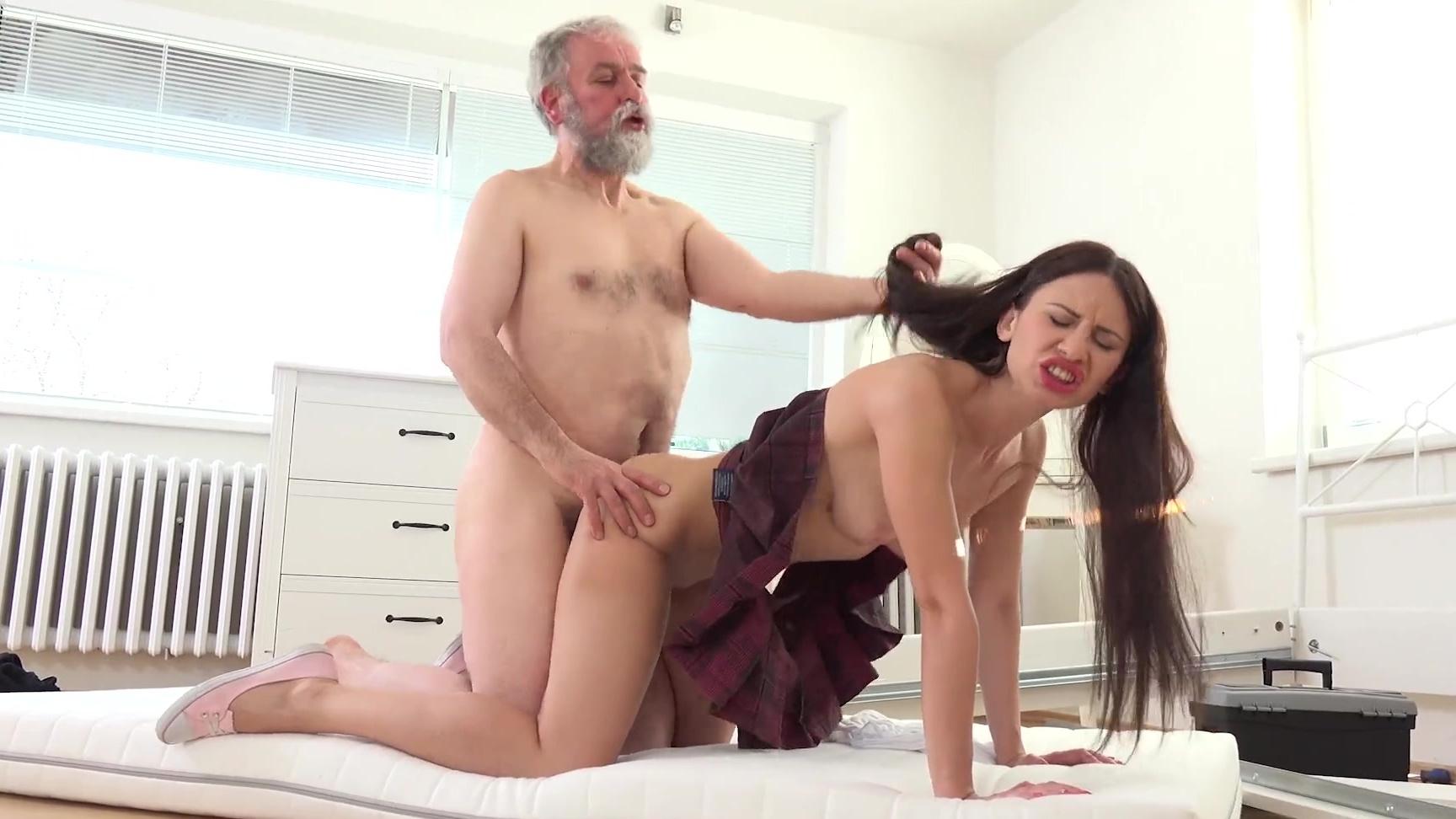 Gina blonde porno